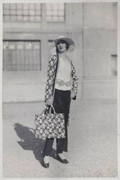 Kittyinva: 1929 Milan summer beach pajama ensemble. From 1920′s Fashion Archive, FB.