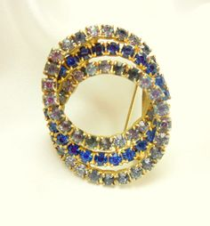 Vintage Blue Circle Brooch by VJSEJewelsofhope on Etsy, $10.00