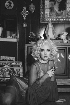 Dove Cameron comes of age in sultry Marilyn Monroe inspired shoot Marilyn Monroe, Divas, Dove Cameron Style, Pin Up, Disney Channel Stars, Actrices Hollywood, Old Hollywood, American Actress, My Idol