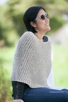 Catalunya Colorblock Poncho, free knit pattern   1dogwoof.com