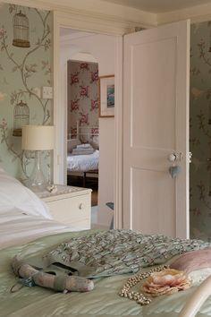 Wallpapered Bedrooms fåglar
