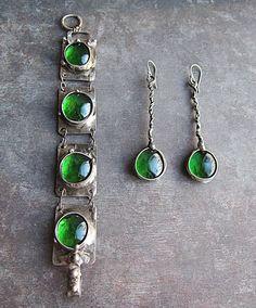 Jewelry set. Earrings, bracelet. Green glass, brass, tin, steel. Tiffany technique. Boho rustic statement jewelry #ethnicjewelry