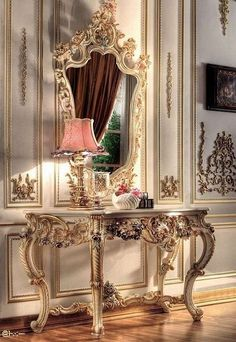 gorgeous console....you don't need a mansion to have this...just good taste and a nice spot for it.  ~❥