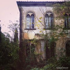abandoned mental asylum in Volterra, Tuscany, Italy, urban exploration || Read my post here: Volterra and Valdicecina: exploring Tuscany off-the-beaten path: http://www.blocal-travel.com/2014/12/volterra-and-valdicecina-exploring.html