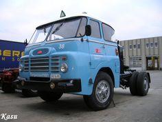 •♥• Csepel D700, nur D705. •2♥134 #Csepel_D700 Cab Over, Semi Trailer, Classic Trucks, Old Trucks, Old Cars, Cars And Motorcycles, Jeep, Transportation, Budapest