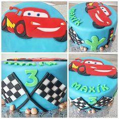 Narozeninový dort Cars #narozeniny #dort #modra #pro #kluka #s #autem #blesk #mcqueen #birthday #cake #blue #for #boys #with #car #pixar #cars #sweet #baking #bakery #food #top #origosdorty