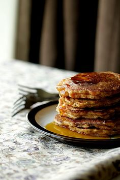 Carrot Cakes with nuts My Favorite Food, Favorite Recipes, My Favorite Things, Carrot Cake Pancakes, Carrot Cakes, Good Food, Yummy Food, Tasty, Eat Breakfast