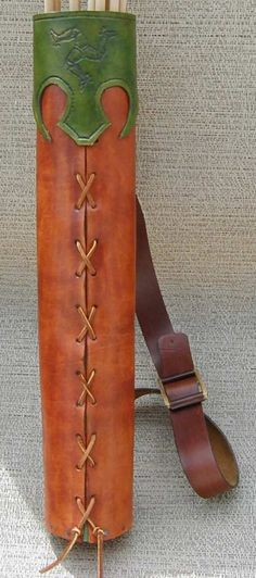 Medieval Leather Quiver How to Project Archery Quiver, Arrow Quiver, Archery Hunting, Deer Hunting, Leather Quiver, Leather Pouch, Traditional Archery, Cosplay Tutorial, Medieval Costume