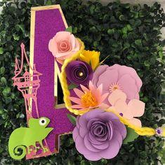 Cartas 3D princesa decoraciones de cumpleaños Rapunzel | Etsy Tangled Movie, Tangled Princess, Tangled Party, Disney Tangled, Princess Sofia, Tangled Bedroom, Disney Princess Letter, Rapunzel Birthday Party, Rolled Paper Flowers