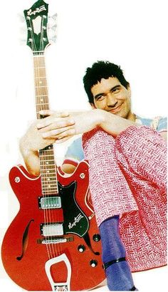 Pat Smear with Haagstom guitar Rock Music, My Music, Nate Mendel, Chris Shiflett, Pat Smear, Foo Fighters Dave Grohl, Taylor Hawkins, Best Rock, Rock Legends