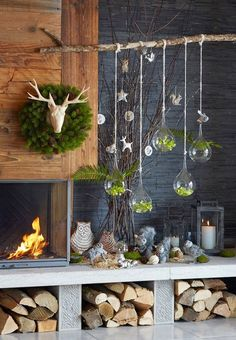 winter weihnachten Instead of a Christmas tree this year we adorn a charming tree of branches Rustic Christmas, Simple Christmas, Winter Christmas, Christmas Tables, Christmas Fireplace, Easy Christmas Decorations, Christmas Crafts, Holiday Decor, Natal Country