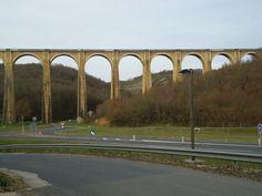 Le viaduc ferroviaire de la Borrèze à côté de Souillac (Lot).