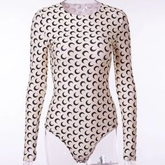 blackpink-jennie-apricot-half-moon-shirt Find BlackPink Clothes for an affordable price Stage Outfits, Kpop Outfits, Blackpink Fashion, Fashion Outfits, Pullover Shirt, Pastel Goth Fashion, Long Sleeve Bodysuit, Collar Shirts, Classy Outfits