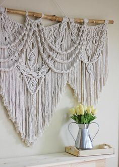 New Images large Macrame Wall Hanging Strategies Macrame is back any way you like! If your style will be perhaps slightly boho, the macrame wall hang Macrame Wall Hanging Patterns, Large Macrame Wall Hanging, Macrame Patterns, Hanging Wall Art, Wall Hangings, Quilt Patterns, Macrame Design, Macrame Art, Macrame Projects