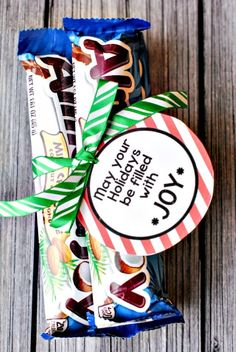 50 Sweet Christmas Gift Ideas for Neighbors - For Creative Juice Christmas Neighbor Gift Ideas: Easy Almond Joy Gift Idea. Neighbor Christmas Gifts, Neighbor Gifts, Holiday Gifts, Christmas Presents, Holiday Treats, Christmas Stockings, Simple Christmas, Christmas Holidays, Christmas Crafts