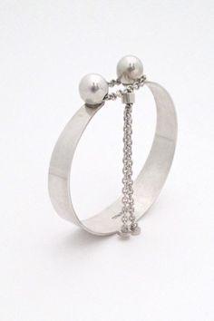 Elis Kauppi for Kupittaan Kulta 2 spheres bracelet
