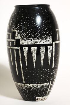 Art Deco - Ovoide Vase - Black Lacquered Brass and Co .:separator:Art Deco - Ovoide Vase - Black Lacquered Brass and Co . Vase Design, Art Deco Design, Clay Vase, Ceramic Vase, Pottery Painting, Pottery Vase, Blue Pottery, Art Et Architecture, French Art Deco