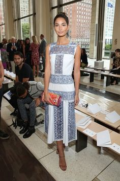 Lily Aldridge attends the Tory Burch fashion show during Mercedes-Benz Fashion Week Spring 2015 at Avery Fisher Hall at Lincoln Center for the… Lily Aldridge, Victoria Secret Fashion Show, Red Carpet Fashion, Star Fashion, Women's Fashion, Boho Dress, Celebrity Style, Fashion Dresses, Tory Burch