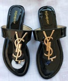Aside from handbags and purses, shoes are the things which women cannot have enough of. The truth is women love designer shoes and cannot have too many pairs. Ysl Sandals, Toe Ring Sandals, Slipper Sandals, Lv Shoes, Bling Shoes, Discount Designer Shoes, Girls Shoes, Ladies Shoes, Shoes Women