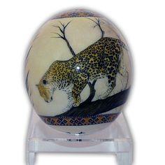 Наименование: Декоративное страусиное яйцо Производитель: Haus & Design Страна: Германия Артикул: A17 Материал: Страусиное яйцо, роспись, лак Размеры: Высота: 16 см.