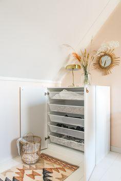 Ikea Organization, Laundry Closet, Laundry Hacks, Diy Home Improvement, Interior Inspiration, Ladder Decor, Entryway Tables, Storage, Furniture