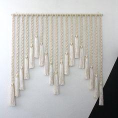24 Ideas For Wall Hanging Macrame Diy Design Macrame Design, Macrame Art, Macrame Projects, Macrame Knots, Diy Projects, Deco Boheme, Macrame Curtain, Micro Macramé, Macrame Tutorial