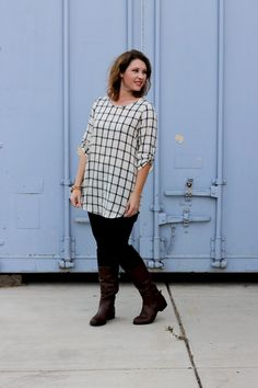 Wondering what Thanksgiving outfit to wear? This plaid tunic is trendy, comfortable and great for a day of eating!