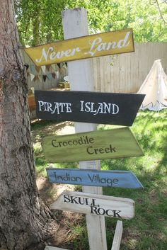 Directional signs for Neverland room Deco Pirate, Pirate Decor, Pirate Theme, Pirate Party, Pirate Bedroom, Villains Party, Peter Pan Party, Pirate Island, Pirate Halloween