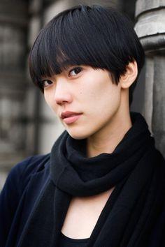 Resultados de la Búsqueda de imágenes de Google de http://www.fashionblasts.com/wp-content/uploads/2011/10/asian-hairstyles-31.jpg