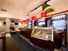 La Mondial Arreda è un'azienda specializzata nella progettazione e produzione di: arredo bar arredamenti bar, arredamenti per ricevitorie, arredamenti per edicole, arredamenti per bar tabacchi, , arredamenti pub