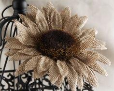Flower Crafting Burlap, hemp, jute - all great materials for flower making Burlap Fabric, Burlap Lace, Burlap Flowers, Diy Flowers, Fabric Flowers, Burlap Wreath, Paper Flowers, Burlap Curtains, Hessian