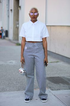 Your glimpse at all the best-dressed folks attending runway shows, after parties and everything in between at New York Fashion Week Spring Black Women Fashion, Womens Fashion, Fashion Trends, New York Fashion Week 2018, Street Style Looks, Fashion Pictures, Women's Fashion Dresses, Trendy Outfits, Nice Dresses