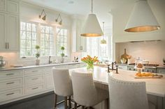 Unbelievable Diy Ideas: Ranch Kitchen Remodel Living Spaces old galley kitchen remodel.Colonial Kitchen Remodel Diy old galley kitchen remodel.Old Galley Kitchen Remodel. Classic Kitchen, New Kitchen, Kitchen Decor, Kitchen Sink, Kitchen Islands, Kitchen Ideas, Timeless Kitchen, Kitchen Cabinetry, 1970s Kitchen