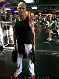 Luke Goss Weight Training April 2014 - Training - Gallery