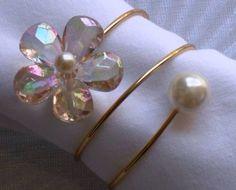 Linen Napkins, Napkins Set, Diy Crafts Jewelry, Handmade Crafts, Diy Wedding Hair, Craft Stalls, Wine Tags, Napkin Folding, Wedding Glasses