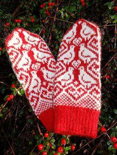 Rypevottene, (grouse mittens) pattern by Jorid Linvik. #mittenS:-)