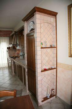 Cucina ad angolo in legno massello con finitura in noce - Cucina ...