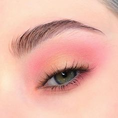 💕BLUSH💕 A look from todays tutorial, in which I used only Blush cheek palette. I know its a lot of pinky-peachy looks lately,… Pink Eyeshadow Look, Soft Eye Makeup, Eye Makeup Art, Blush Makeup, Makeup Inspo, Eyeshadow Makeup, Simple Eyeshadow Looks, Pastel Eyeshadow, Glitter Eyeshadow
