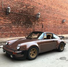 """13.7 k mentions J'aime, 37 commentaires - Magnus Walker (@magnuswalker) sur Instagram : """"Hey if you're in #berlin ?Join my tonight at the Olympic Stadium - 7 pm for my Berlin Outlaw…"""""""