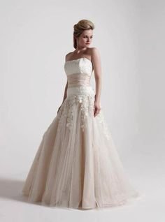 Sophisticated take on a traditional wedding dress