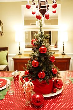 65 Charming Christmas Tree Wedding Centerpieces