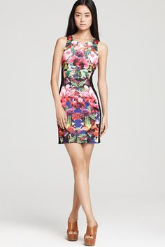 Gorgeous botanical print dresses to bust out this spring!