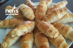 Puf Puf Kabaran Katmer Börek Tarifi Hot Dog Buns, Hot Dogs, Turkish Recipes, Hamburger, Sausage, Bread, Dishes, Baking, Food