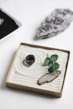 DIY Mini Zen Garden @themerrythought