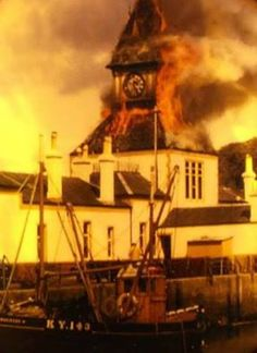 Rothesay Pier building and clock being consumed by fire in Isle Of Bute, Scottish Gaelic, Arran, 12th Century, Boat Building, Big Ben, Vacations, Boats, Scotland