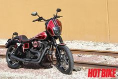 Custom Harley-Davidson Dyna - Breaking the Pattern