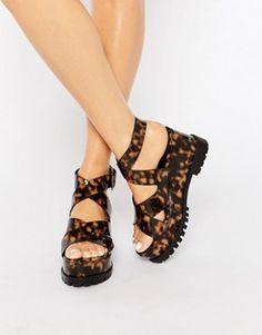1d3147bd2f5a Sandalias de cuña gruesa TALLEN de ASOS Platform Wedges Shoes