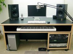 The Gauntlet PodCaster and Voice Over Vocal Booth Table Top Echo Eliminator - Pro-Audio-Warehouse Home Recording Studio Setup, Home Studio Setup, Music Studio Room, Sound Studio, Studio Table, Studio Ideas, Configuration Home Studio, Music Desk, Piano Desk