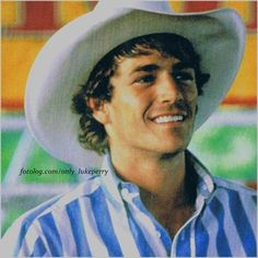 Luke Perry as Lane Frost!! Sad but very good movie, 8 Seconds