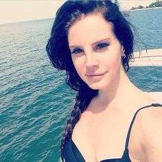 Lana Del Rey posted this gorgeous selfie on her instagram account